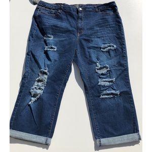 L&B Lucky & Blessed distressed Capri denim jeans